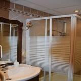 Standarta trīsvietīgs numurs, privāta vannasistaba - Vannasistaba