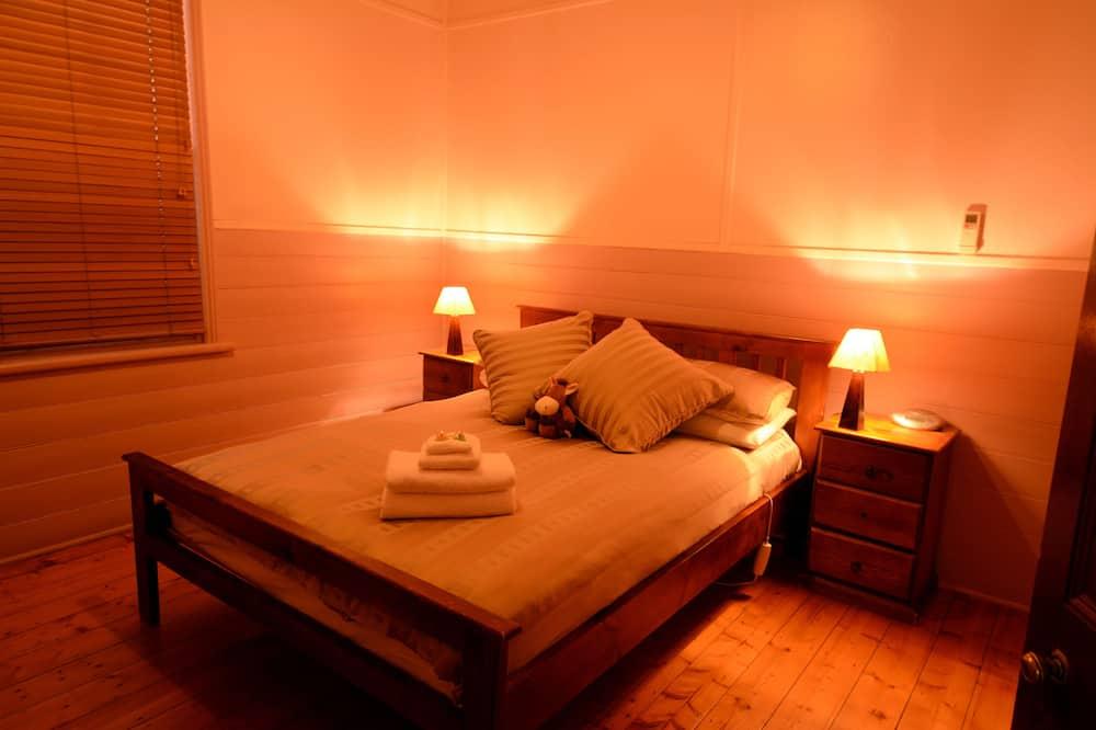 511 Argent Street - Three Bedroom Cottage - Guest Room