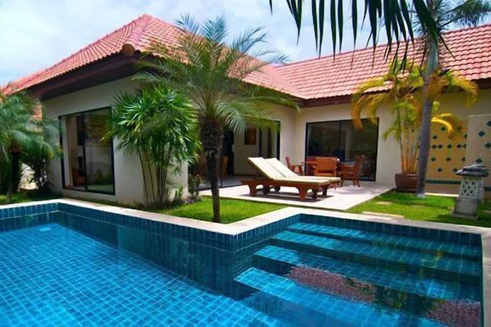 Villa, 2 magamistoaga - Välibassein