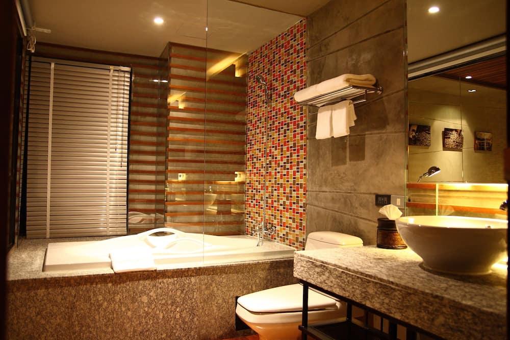 Jacuzzi Suites - Phòng tắm
