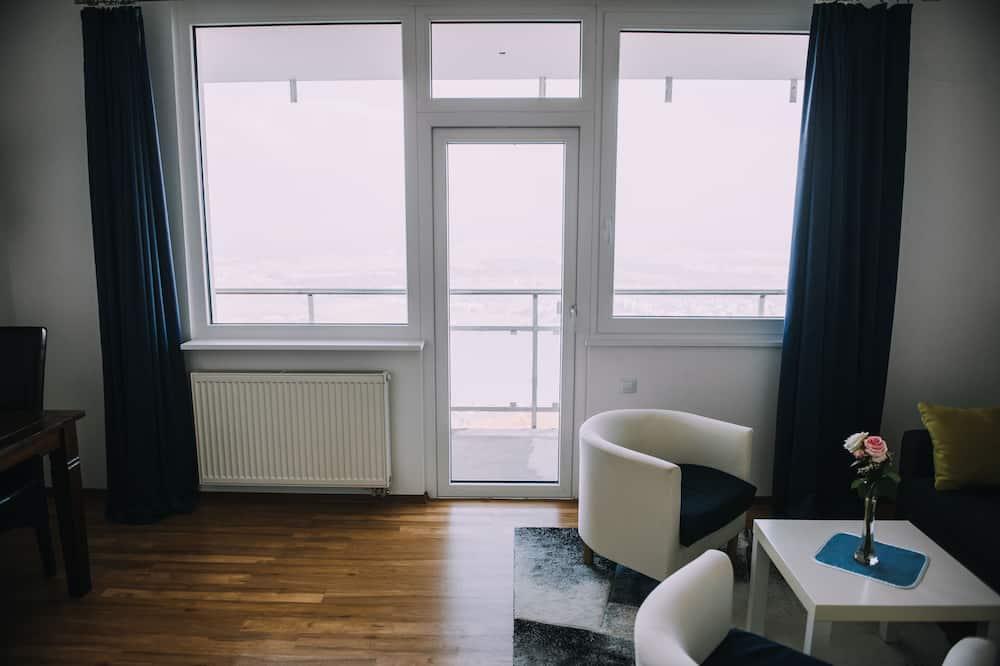 Junior Suite, 2 Bedrooms, City View - Living Room
