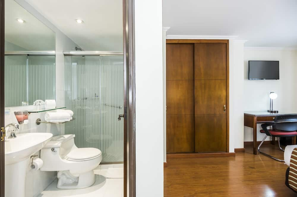 Triple Room  - Łazienka