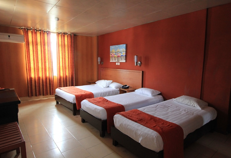 Champ de Mars Hotel, Port Louis, Family Room, Multiple Beds, Guest Room