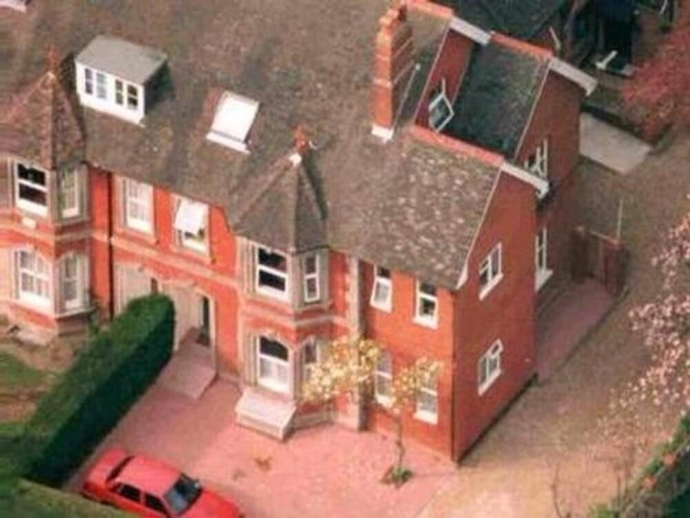 Anand Lodge, Royal Tunbridge Wells