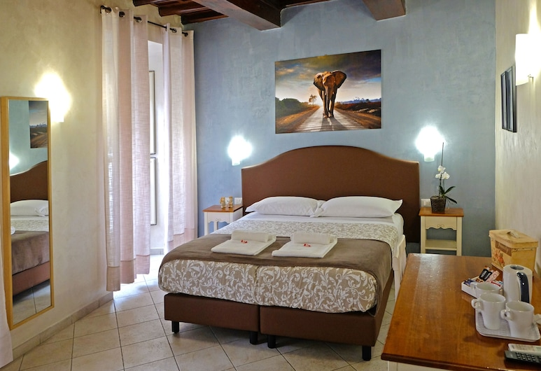 Re Monti Guesthouse, Rome, Classic Triple Room, Guest Room