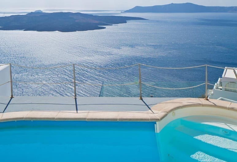Noni's Apartments, Santorini, Pool