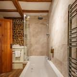 Двухместный номер с 1 двуспальной кроватью, смежные ванная комната и спальня - Ванная комната