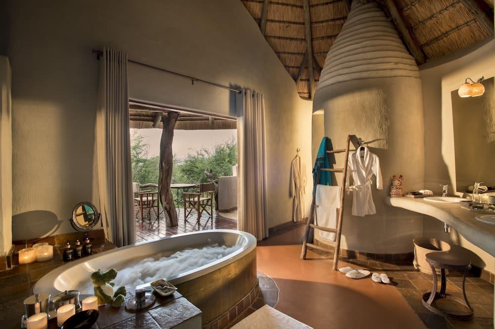 Lelapa Family Suite - 浴室