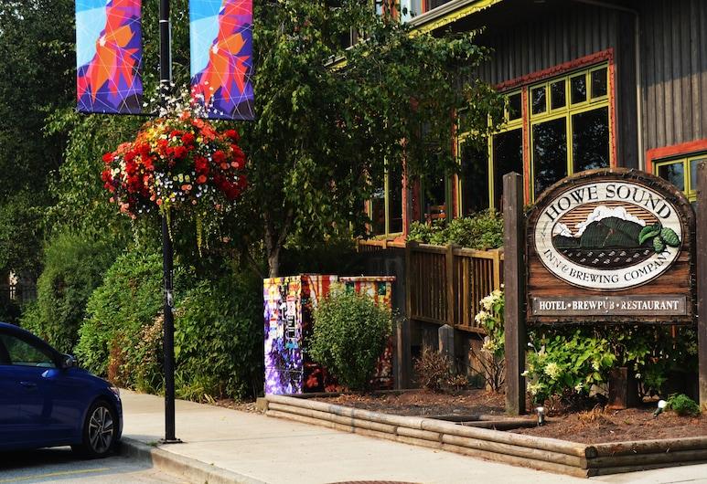 Howe Sound Inn & Brewing Company, Squamish