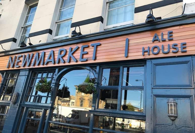 Newmarket Ale House – Hotel & Restaurant, Londen, Buitenkant