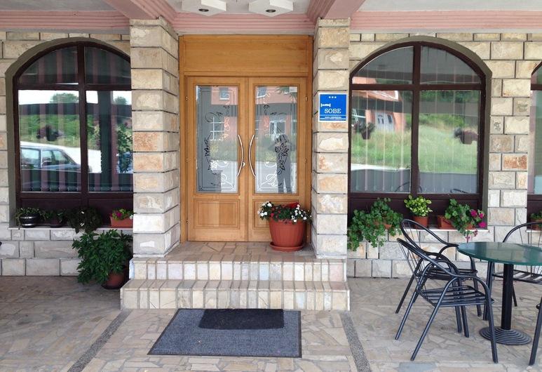 Pansion Porta, Medjugorje, Είσοδος ξενοδοχείου