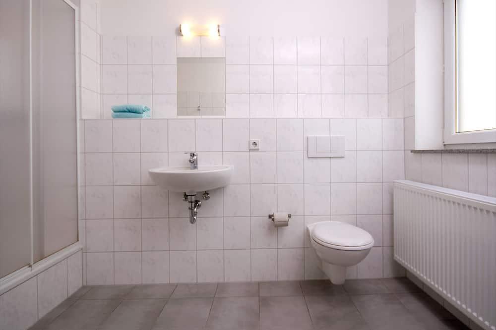 Jednolůžkový pokoj typu Basic - Koupelna
