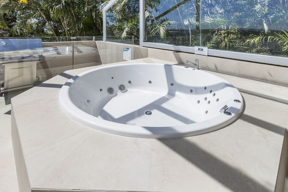 Apartment, 2 Bedrooms - Outdoor Spa Tub