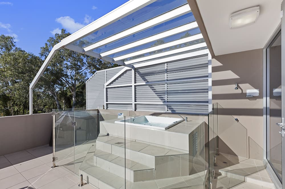 Apartment, 3 Bedrooms - Outdoor Spa Tub