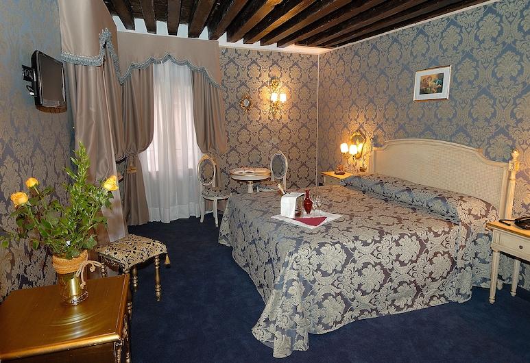 Residenza La Loggia, Венеция, Трехместный номер «Делюкс», Номер