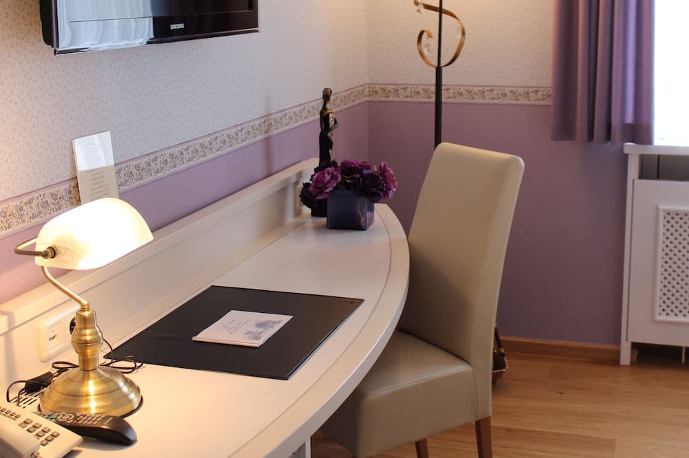 Classic Double Room, Private Bathroom - Guest Room