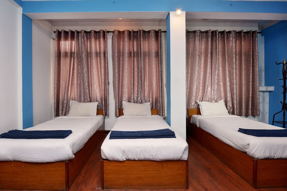 Comfort Triple Room, 3 Twin Beds, Private Bathroom - Guest Room