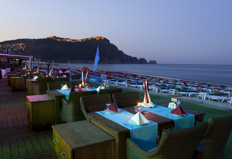 Palmiye Beach Hotel, Аланья, Ресторан під відкритим небом