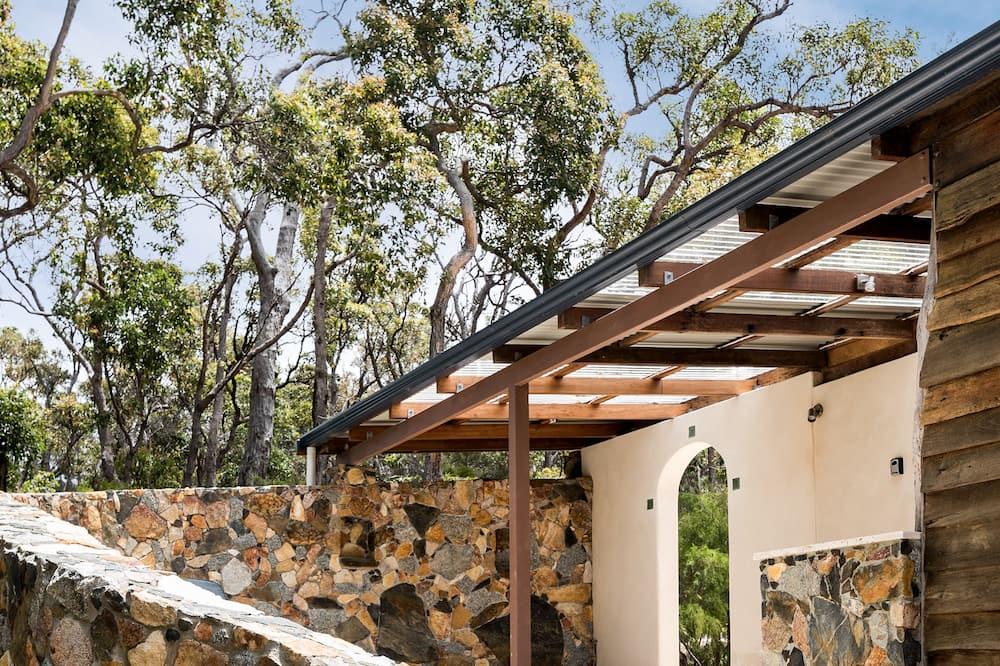 Villa – luxury, 1 kingsize-seng, massasjebadekar (Mira) - Terrasse/veranda