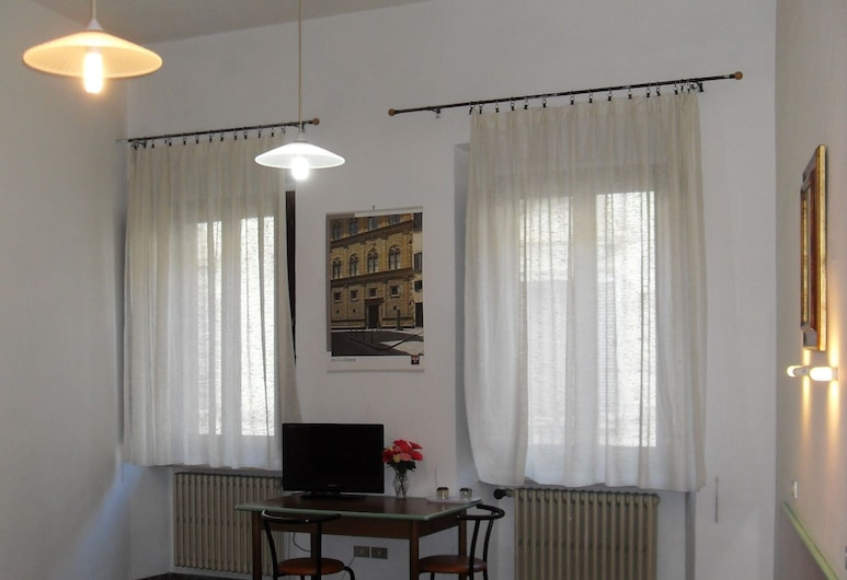 Mary's House, Florence, Basic Twin Room, Private Bathroom (2nd floor - no elevator), Guest Room