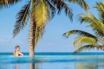 Picture of Almond Beach Resort at Jaguar Reef in Hopkins