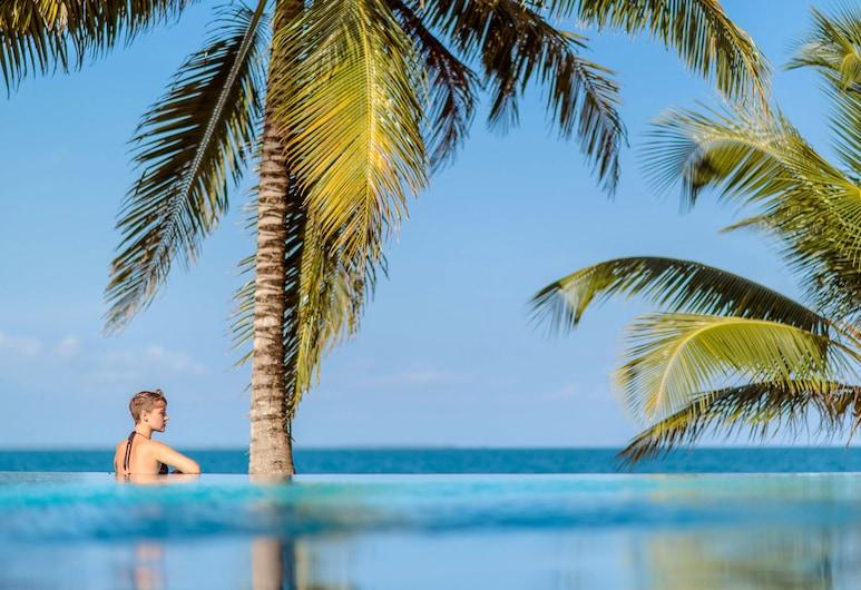 捷豹礁杏仁海灘度假村, 霍普金斯, 室外泳池