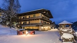 Book this Parking available Hotel in Saalbach-Hinterglemm