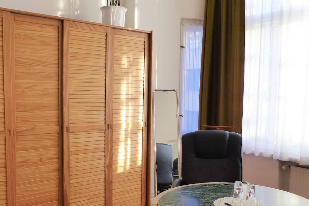 Doppel- oder Zweibettzimmer, Gemeinschaftsbad - Wohnbereich