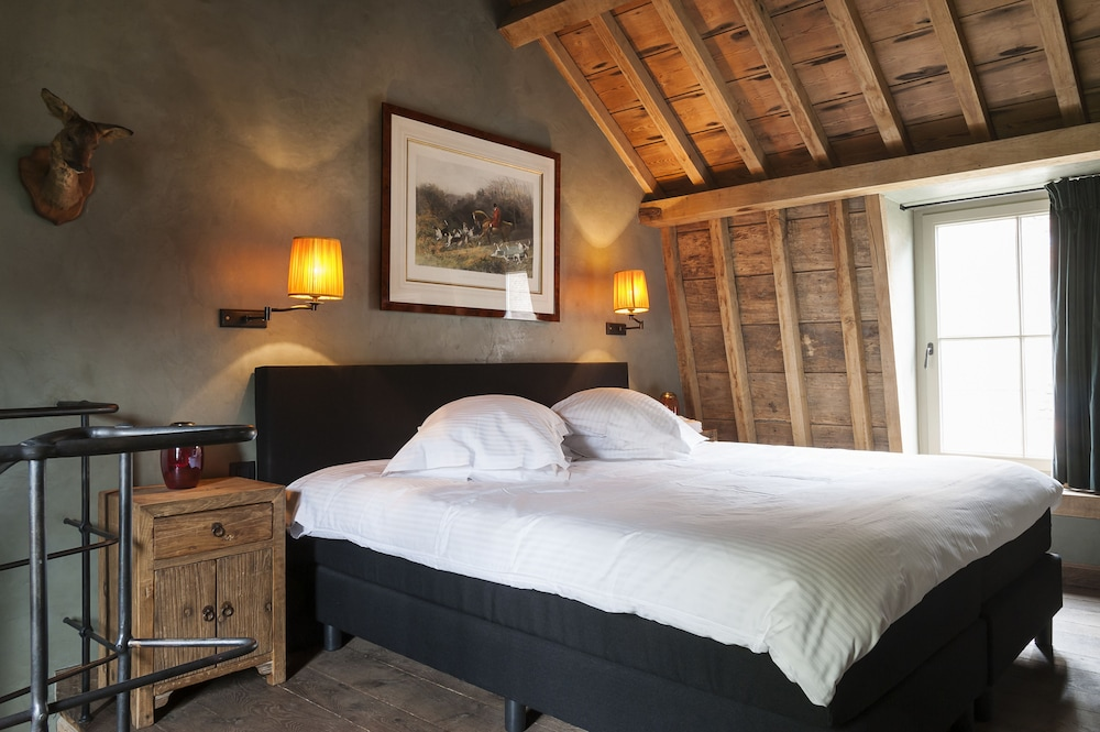 book canal deluxe bed breakfast in bruges. Black Bedroom Furniture Sets. Home Design Ideas