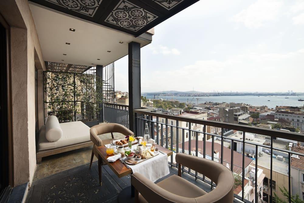 Panorāmas luksusa numurs, balkons, skats uz jūru - Galvenais attēls