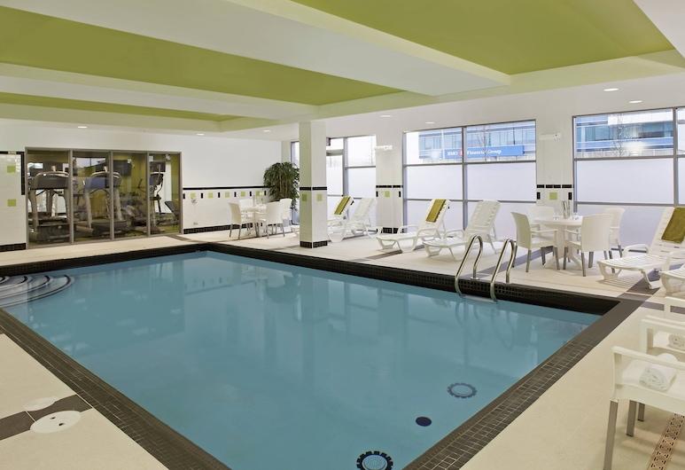Fairfield Inn & Suites by Marriott Toronto Mississauga, Mississauga, Indoor Pool