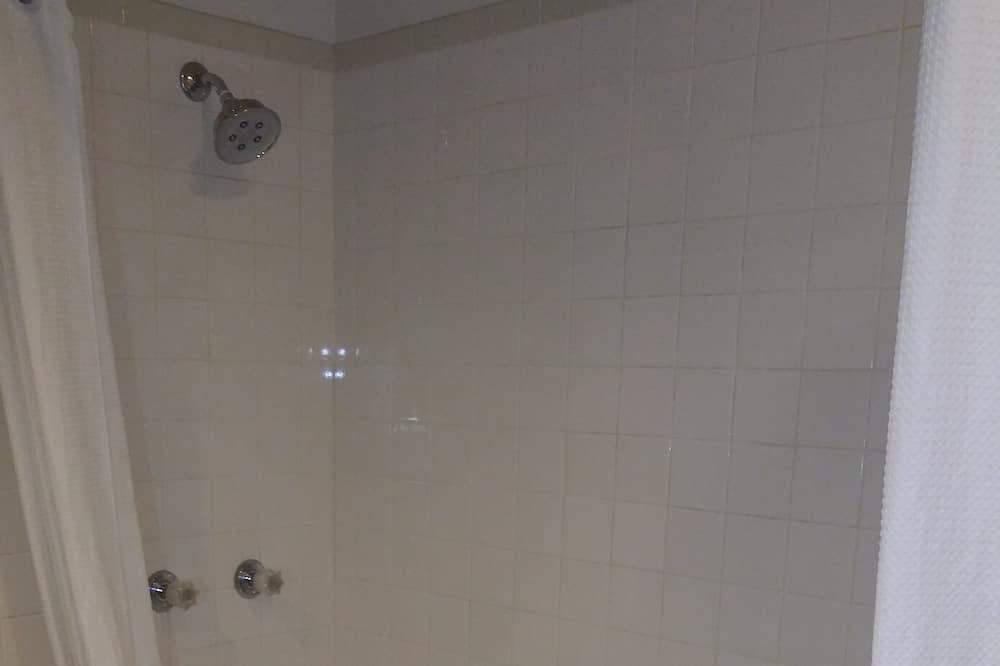 高級客房 - 浴室淋浴