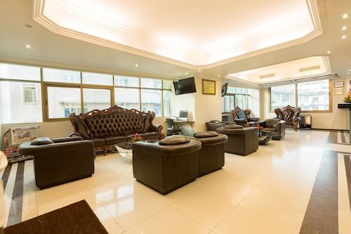 坦桑石行政套房酒店