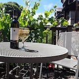 Premium Suite, Balcony, Garden View - Balcony