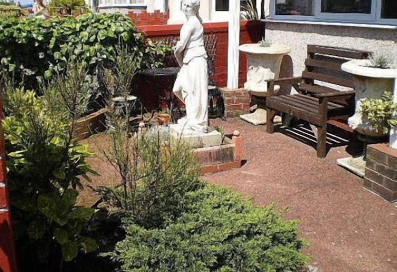 Belvedere Hotel - Adults Only, Blackpool, Garden