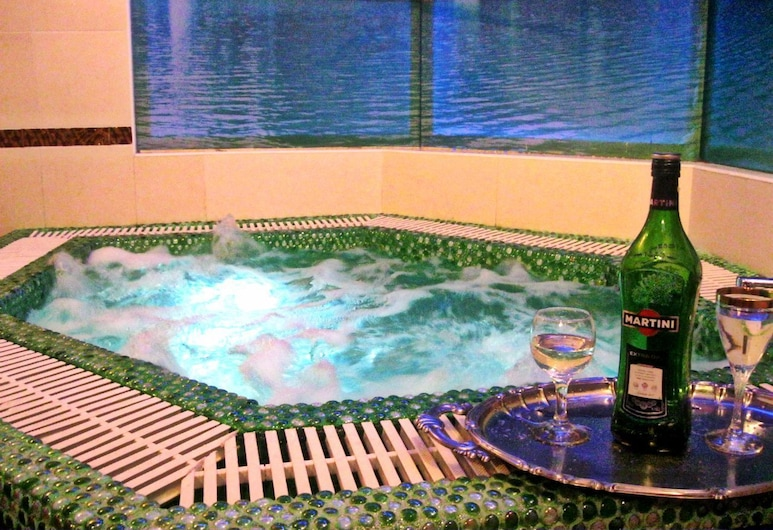 Hotel Botanic Parc, Chisinau, Indoor Spa Tub