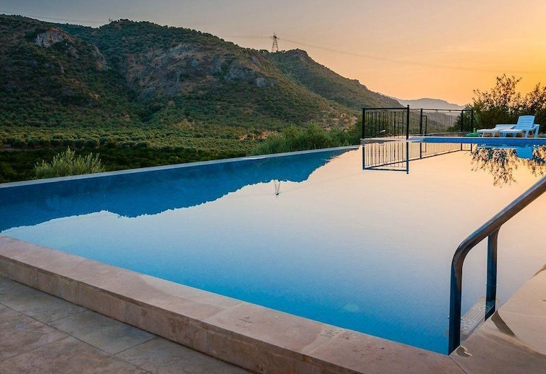 Natureland Efes, Selçuk, Havuz