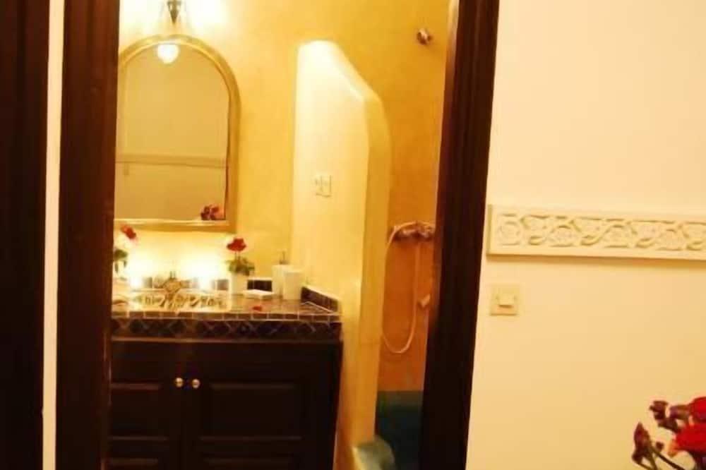 Номер-люкс категорії «Делюкс» - Ванна кімната