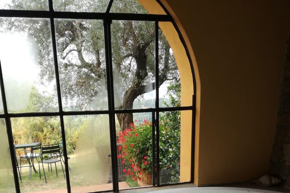 Tina de hidromasaje cubierta