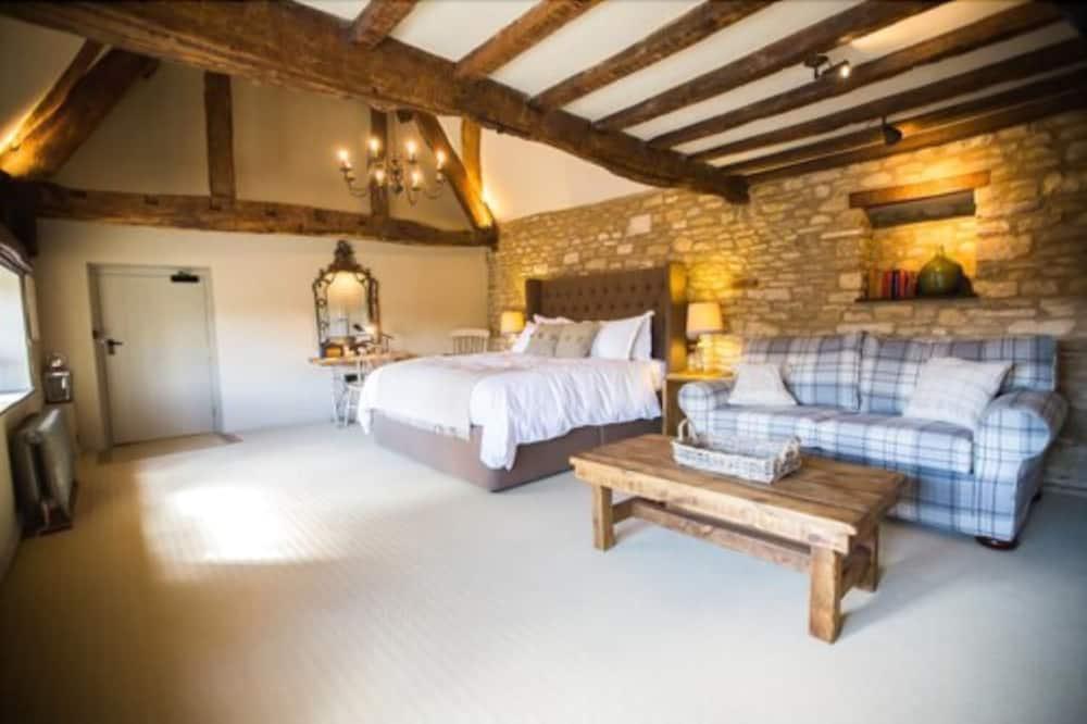 ห้องสวีท, เตียงคิงไซส์ 1 เตียง, อ่างอาบน้ำ - ห้องพัก