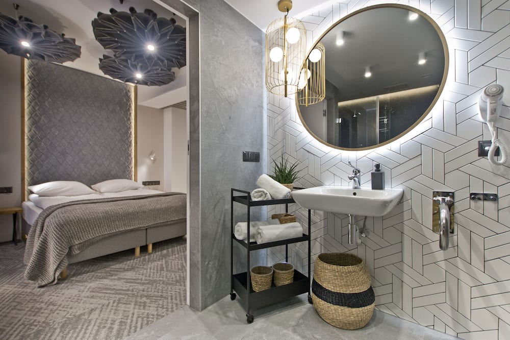 Premium Double Room (adapted for people with disabilities) - Bathroom