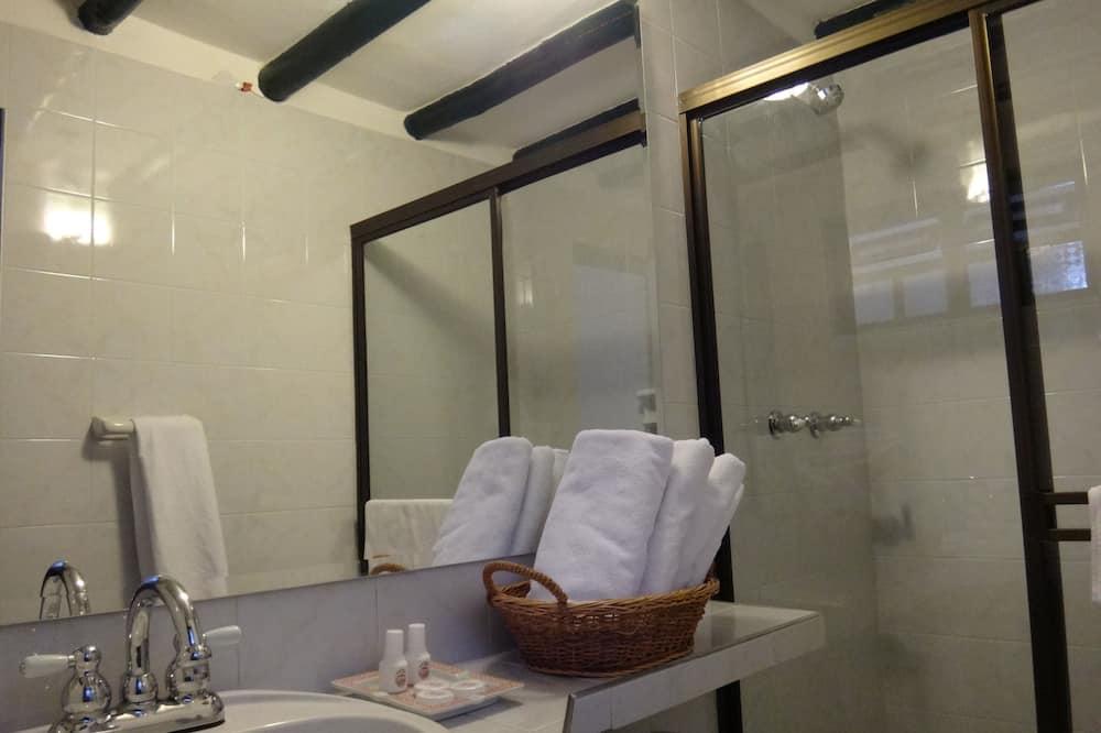 Superior-værelse til 4 personer - flere senge - Badeværelse