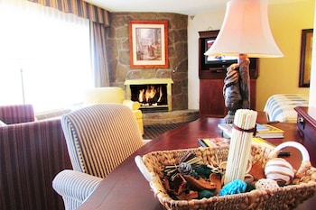 Picture of Arbors at Island Landing Hotel & Suites in Pigeon Forge