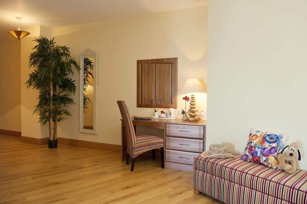 Familienzimmer (5 people) - Wohnbereich