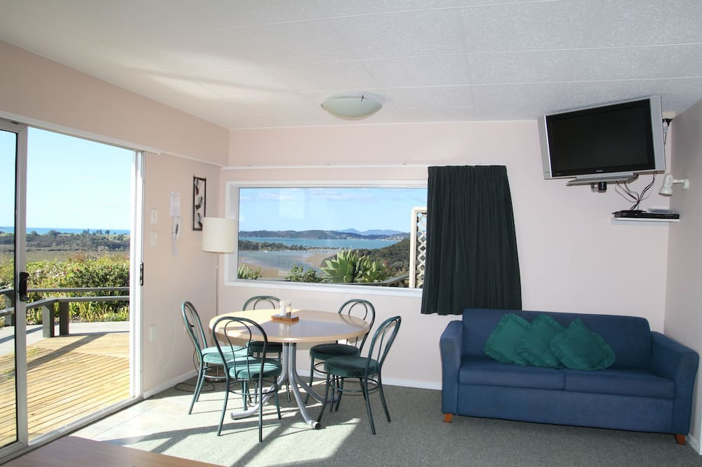 Apartment, 2 Bedrooms, Sea View - Living Room