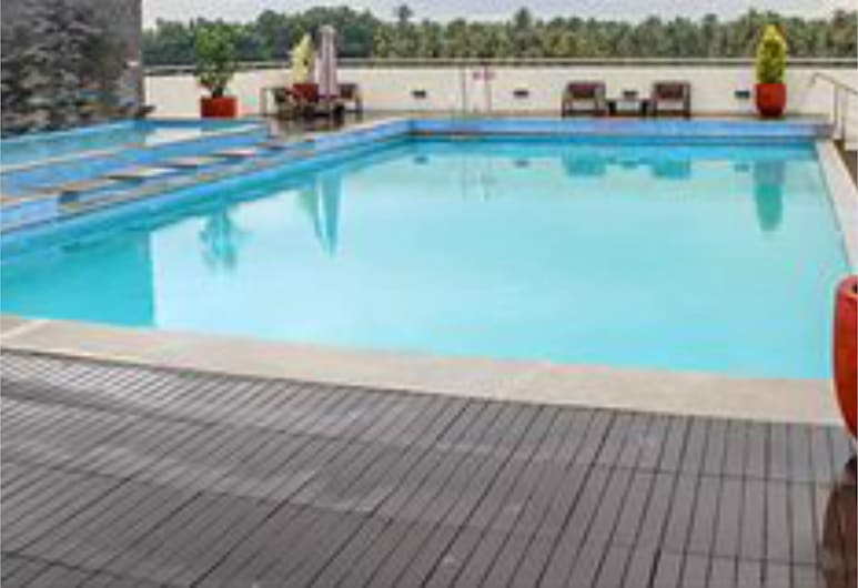 Flora Airport Hotel and Convention Centre Kochi, Alwaye, Outdoor Pool