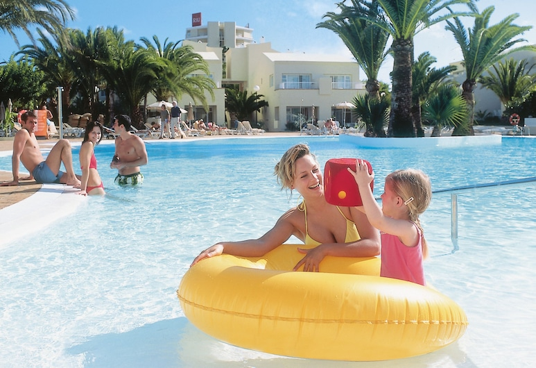 ClubHotel Riu Oliva Beach Resort - All Inclusive, La Oliva, Piscina al aire libre