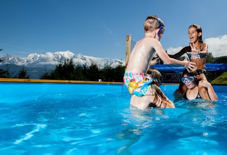 Les Rhodos, Cordon, Vonkajší bazén
