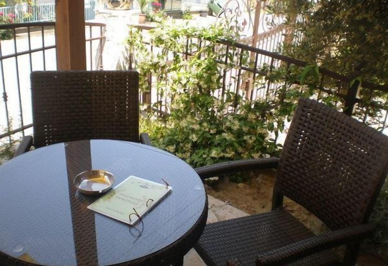 Ξενώνας Ολυμπία, Βέροια, Αίθριο/βεράντα