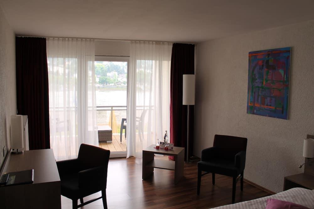 Phòng đôi Executive, Hiên - Khu phòng khách